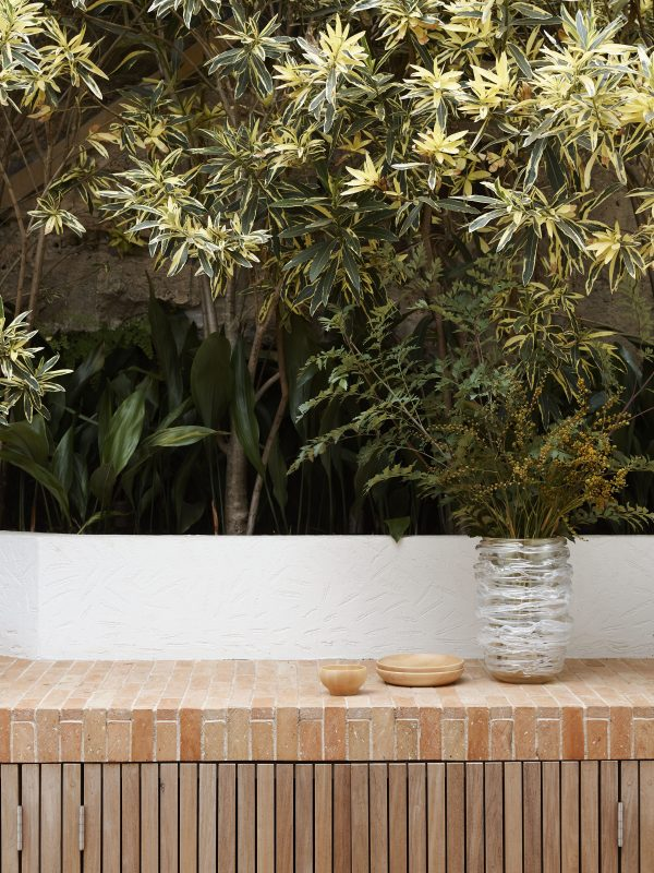 Wyer Co Boulder House View To Outdoor Kitchen Entertaining with Boundary Planting Photography by Anson Smart